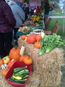 Island Farm Project farmers market